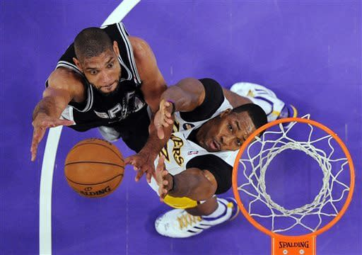 Lakers win without Kobe, rallying past Spurs 91-86