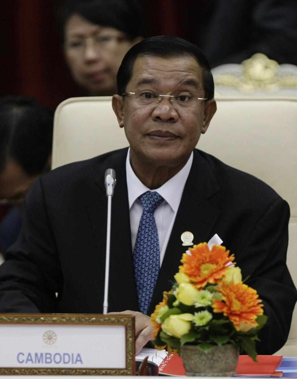 Cambodian Prime Minister Hun Sen attends the 15th ASEAN - South Korea Summit in Phnom Penh, Cambodia, Monday, Nov. 19, 2012. (AP Photo/Heng Sinith)