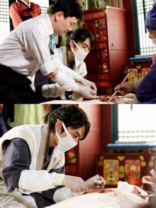 Song Seung Hun Learns from a Professional for 'Time Slip Dr. Jin'