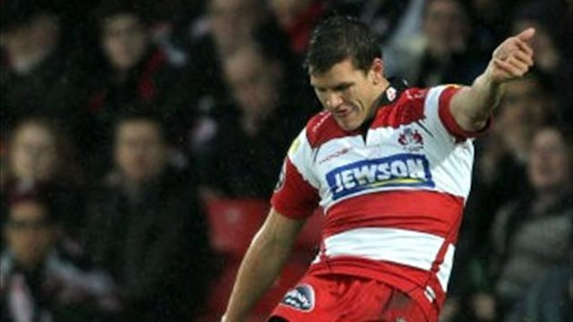 Gloucester's Freddie Burns kicks a penalty (PA)
