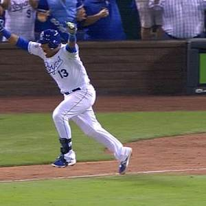 Perez sends Royals to ALDS