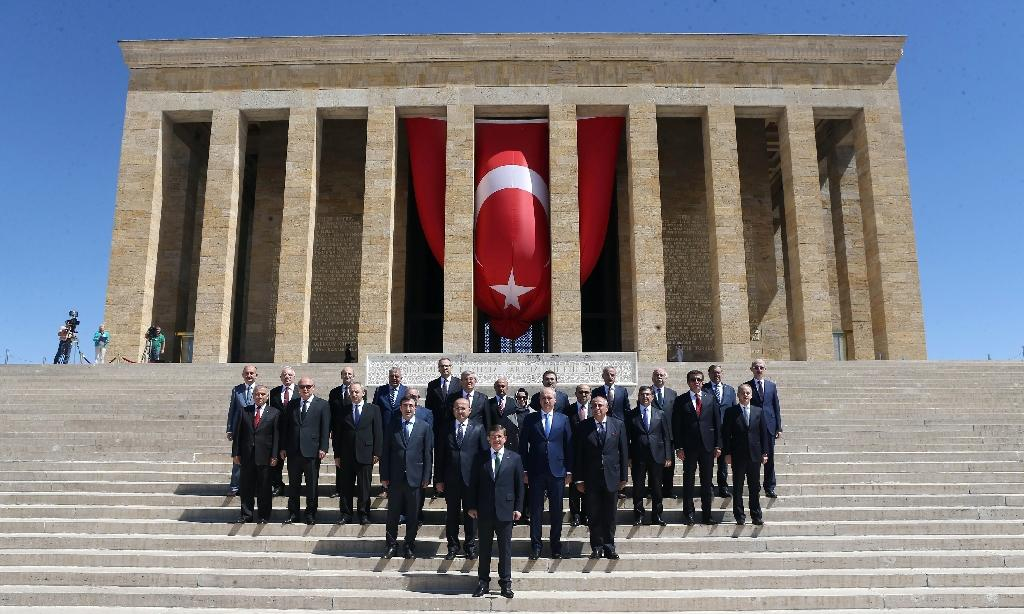 Turkey's new cabinet meets with first pro-Kurdish, veiled ministers