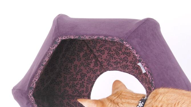12 incredible pet beds on Etsy cat ball