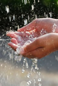 http://media.zenfs.com/en-US/blogs/partner/hands_water.jpg