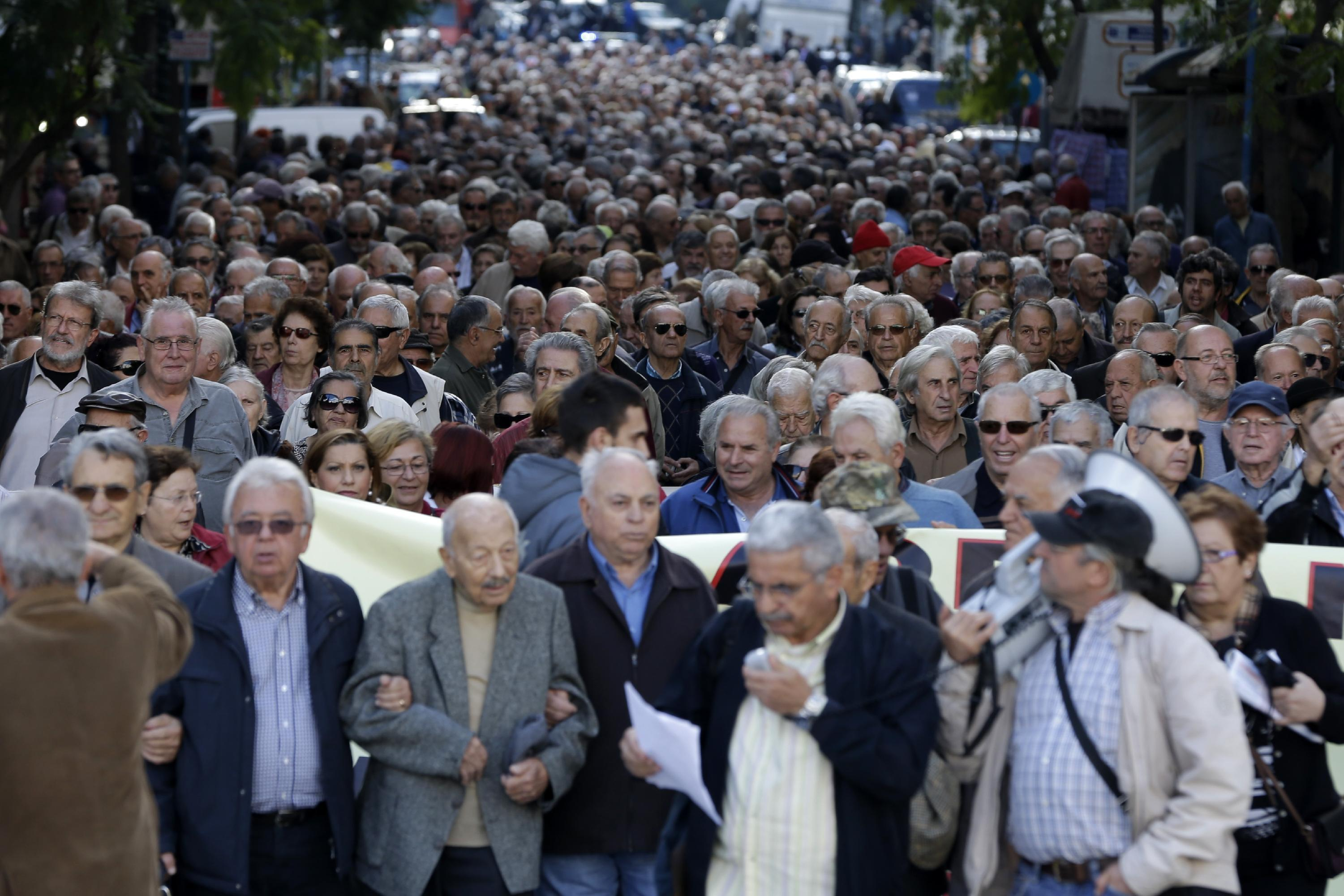 Greek pensioners take to streets ahead of expected cuts