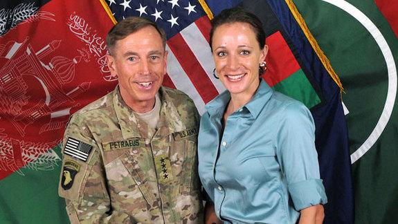 How Nasty Emails Led FBI to Petraeus Sex Scandal