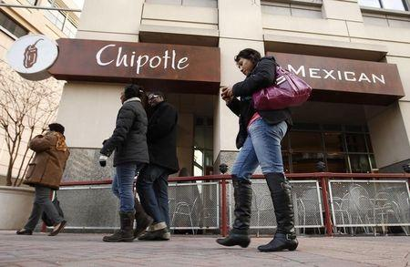 Chipotle goes GMO-free in first for fast-food sector