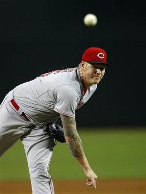 Latos, Reds salvage final game in Arizona, 4-2