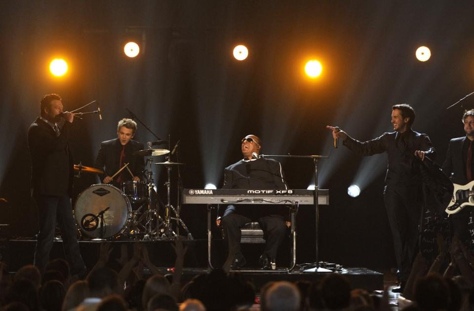 From left, Blake Shelton, Hunter Hayes, Stevie Wonder and Luke Bryan perform at the 48th Annual Academy of Country Music Awards at the MGM Grand Garden Arena in Las Vegas on Sunday, April 7, 2013. (Photo by Chris Pizzello/Invision/AP)