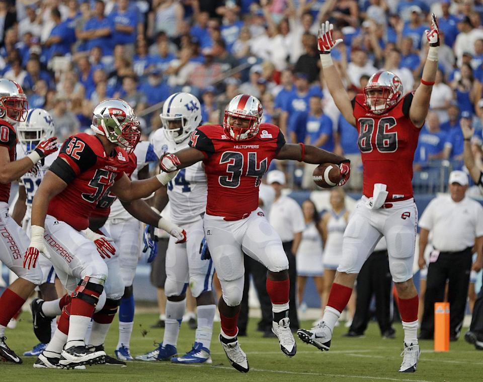 Petrino winner as W Kentucky beats Kentucky 35-26
