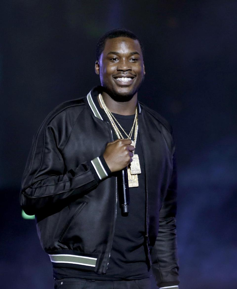 Meek Mill performs at the BET Hip Hop Awards, Saturday, Sept. 28, 2013, in Atlanta. (AP Photo/David Goldman)