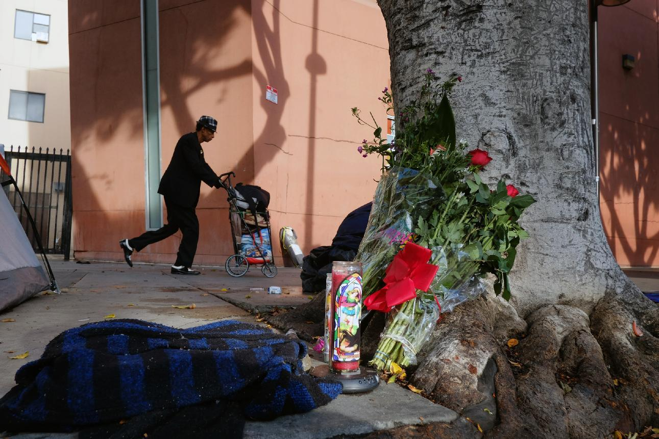 LA police chief: Man killed on Skid Row reached for gun