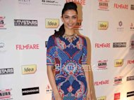 'Best Actress' Deepika Padukone to bag 'Golden Kela' for lousy acting!