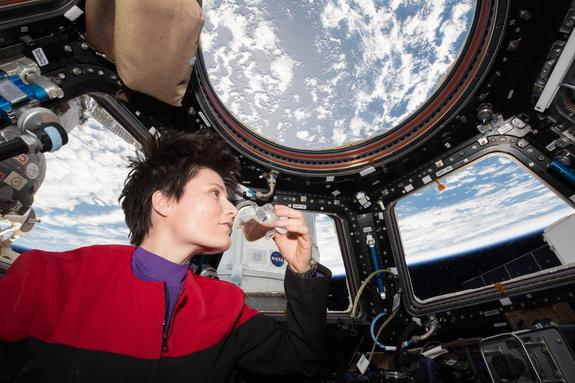 Don't Spill the Beans: Zero-G Cup Lets Astronauts 'Smell the Coffee'