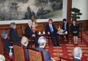 Chinese President Xi and Vice Premier Liu meet with the advisory board entrepreneurs from Tsinghua School of Economics and Management in Beijing