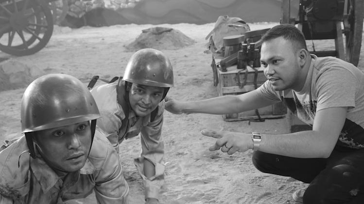 Filipino director takes new look at Bataan march