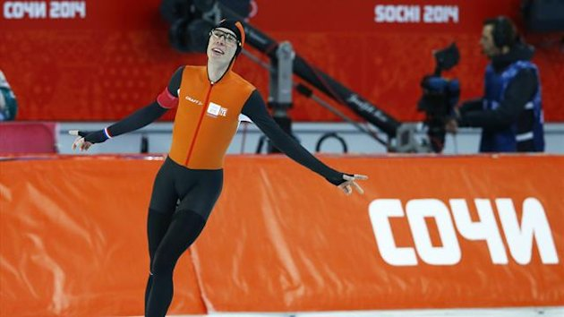 Jorrit Bergsma of the Netherlands celebrates after the men's 10,000 metres speed skating race (Reuters)