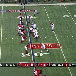 Atlanta Falcons defensive end Stansly Maponga recovers Tampa Bay Buccaneers fumble