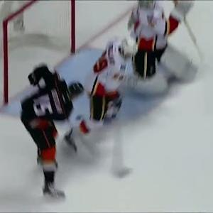 Getzlaf extends the lead on a power-play goal
