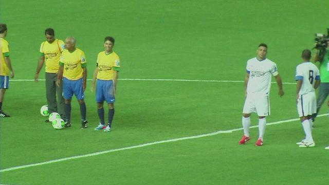 Ronaldo stars in Test event for the 2014 World Cup stadium in Brazil