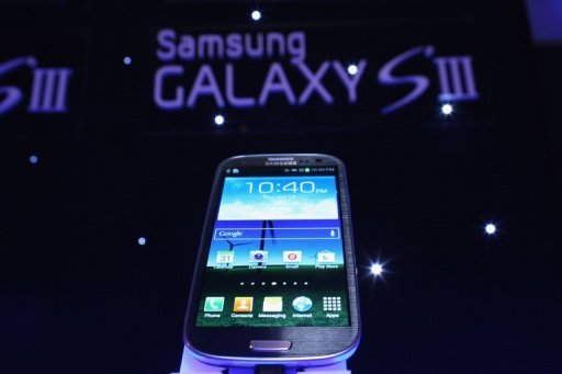 <p>A Samsung Galaxy S III on display at a promotional event in New York last week. South Korea's Samsung Electronics, the world's top smartphone maker, has sold more than 10 million units of its newest Galaxy S III model since its launch about two months ago, a report said Sunday.</p>