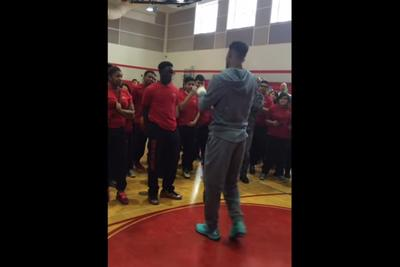 Student hits huge shot to win $10,000 bet with Bulls' Jimmy Butler
