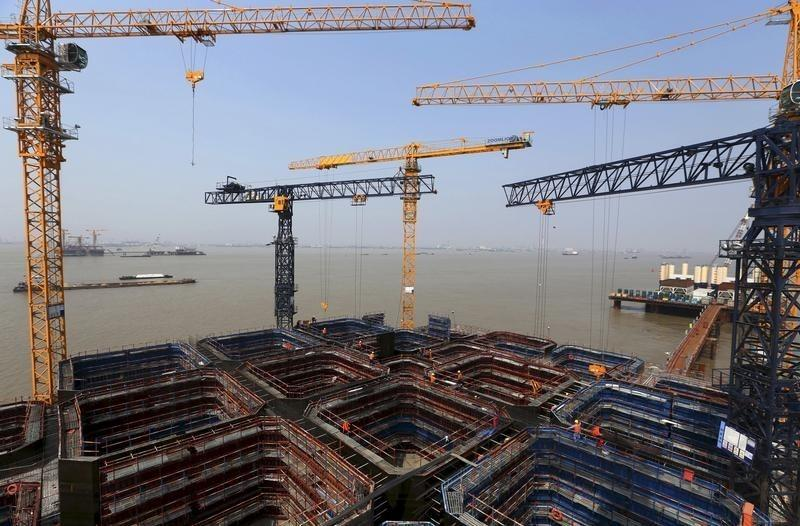 China's slowing economy may steady later this year: state think tank