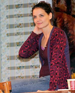Katie Holmes' Broadway Play Dead Accounts Closing 7 Weeks Early