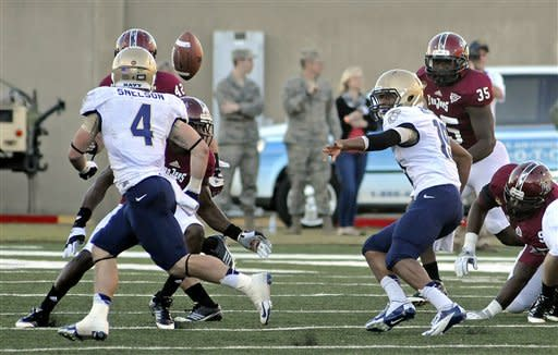 Robinson, Troy sink Navy 41-31