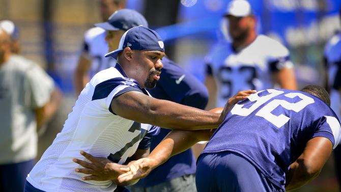Cowboys sign OT Tyron Smith to 8-year extension
