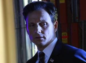 Scandal Sneak Peeks: Fitz Gives [Spoiler] the Big Chill, David Deals With a Bloody Mess