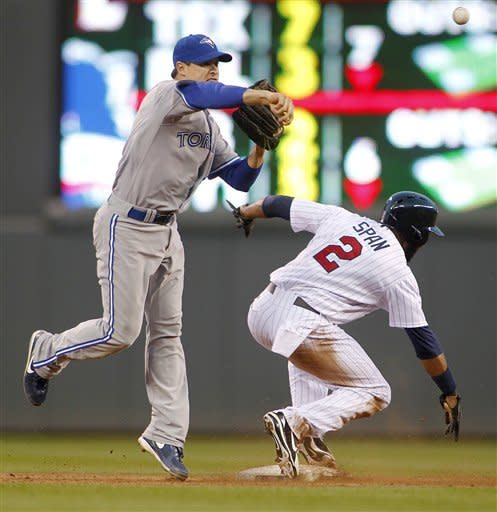 Alvarez pitches Blue Jays past Twins, 6-2