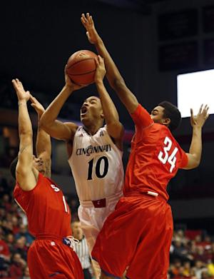 Cincinnati pulls away to beat SMU 65-57
