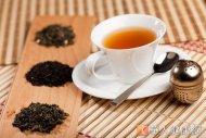 喝茶含有豐富兒茶素和多種營養素,可消脂解膩、抗氧化,是常見的養生食材。