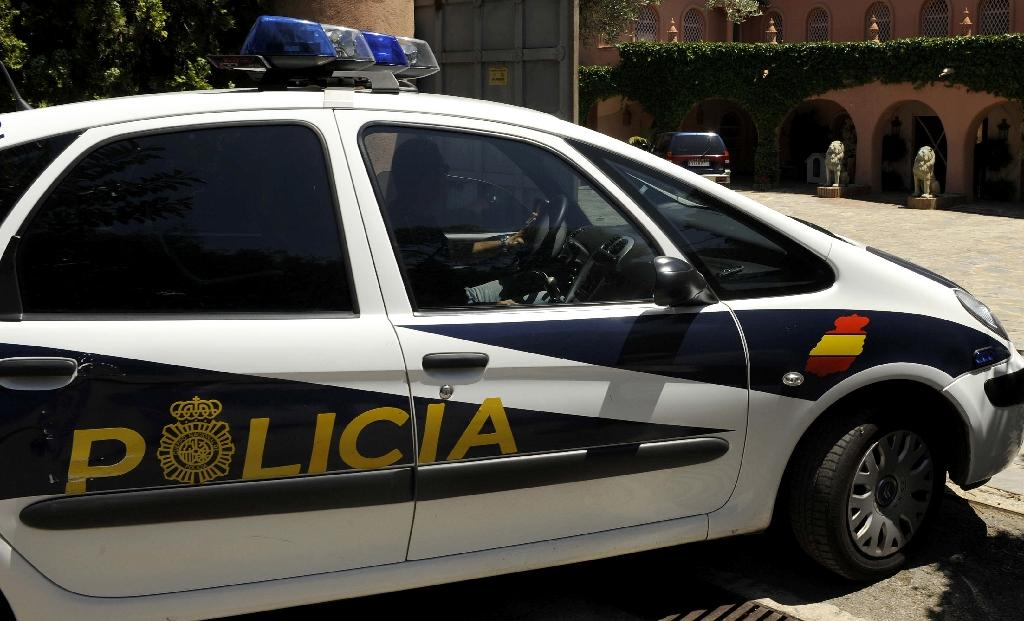 Spain axes fine over image of illegally-parked police car