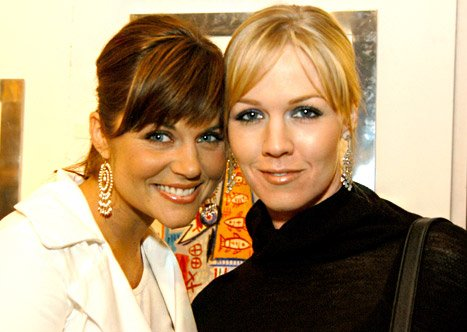 "Tiffani Thiessen on Falling Out With Jennie Garth: ""I Was the One Who Was Hurt"""