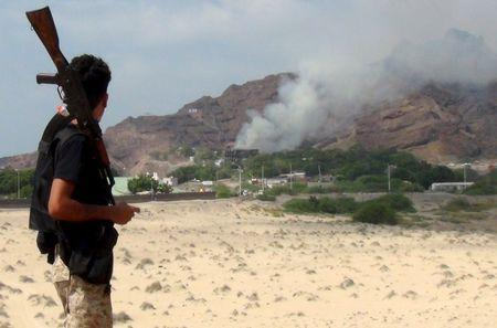 Explosions hit Aden compounds of Yemen government, Gulf Arab troops