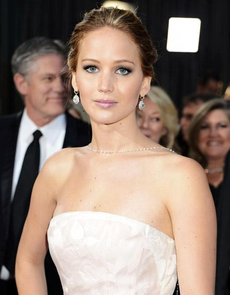 "Jennifer Lawrence on Her Flawless Dior Ads: ""Of Course It's Photoshop"""