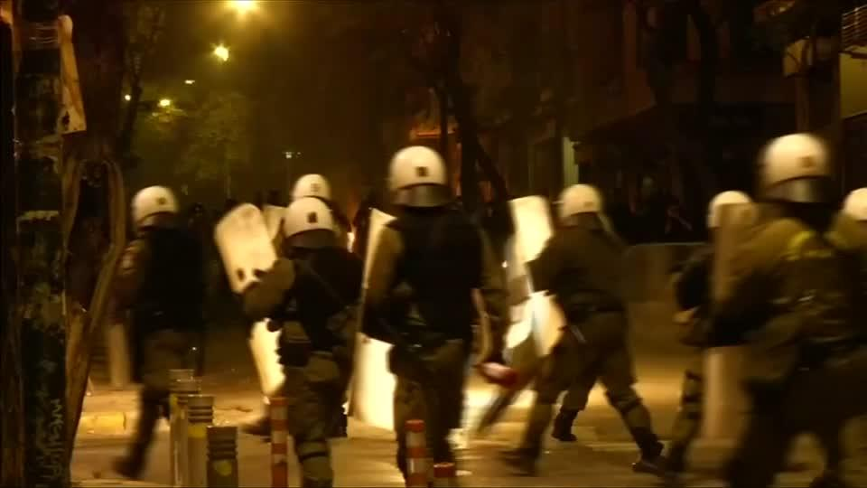 Clashes mark deadly anniversary in Greece