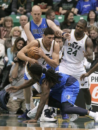 Hayward scores 27 to  lift Jazz over Mavericks