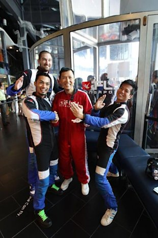 Yen posed with the iFly instructors on Friday morning. (Photo courtesy of iFly Singapore)