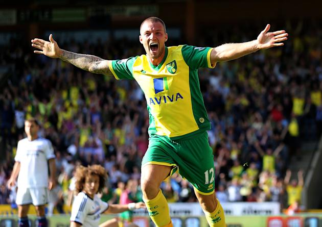 Soccer - Barclays Premier League - Norwich City v Chelsea - Carrow Road