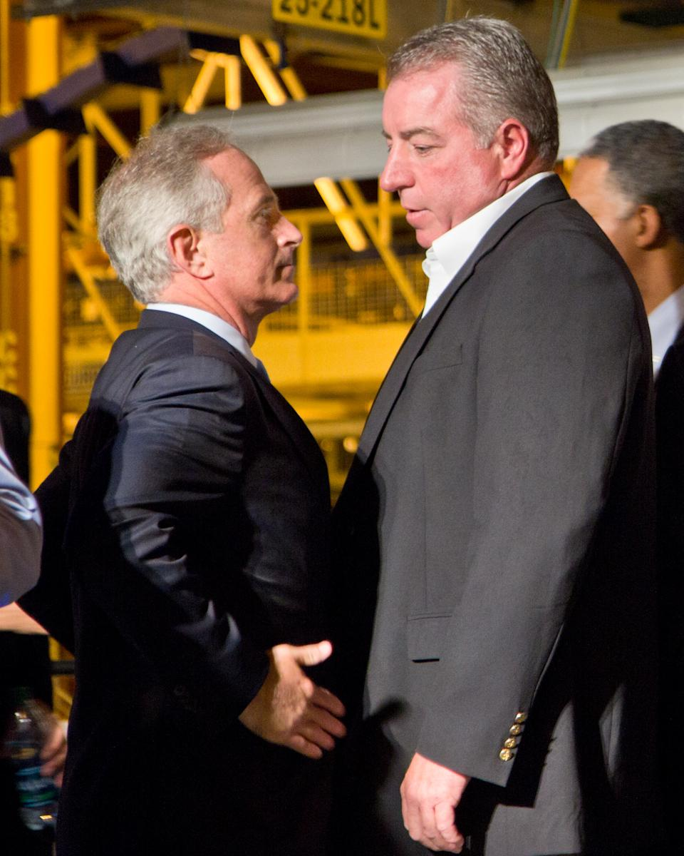 Corker calls VW talks with UAW 'incomprehensible'
