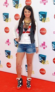 Tulisa goes ghetto-fabulous at T4 on the Beach – Yay or Nay?