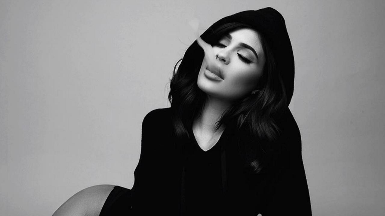 Kylie Jenner Celebrates 50 Million Instagram Followers With Sexy Black and White Pic