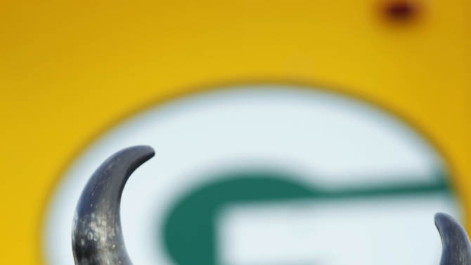 Jim Hallin, of Mora, Minn. is seen before an NFL wild card playoff football game between the Green Bay Packers and the Minnesota Vikings Saturday, Jan. 5, 2013, in Green Bay, Wis. (AP Photo/Mike Roemer)