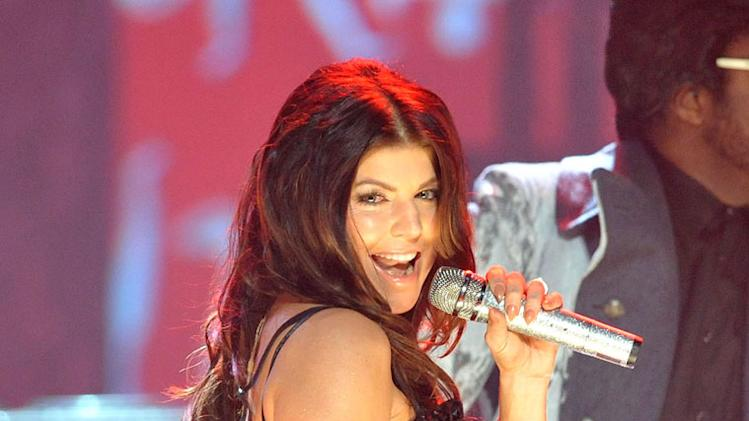 Fergie performs onstage at the 2009 American Music Awards at Nokia Theatre L.A. Live on November 22, 2009 in Los Angeles, California.