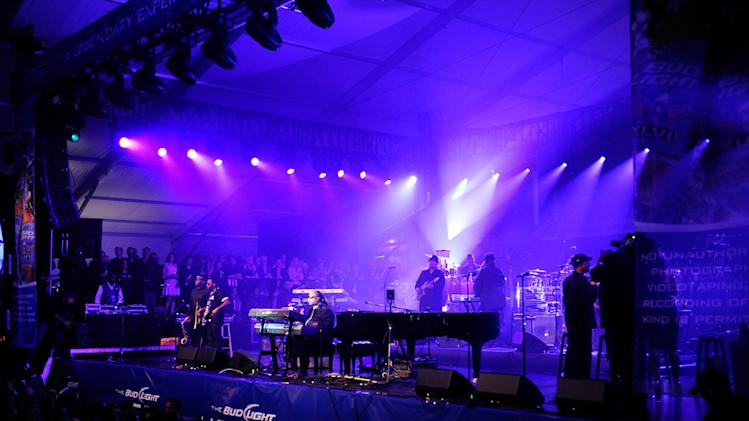 Bud Light Hotel Brings Good Times To NOLA For Super Bowl XLVII - Bud Light Presents Stevie Wonder and Gary Clark Jr.