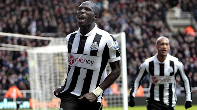 Newcastle United's French midfielder, Moussa Sissoko celebrates scoring their second goal during the English Premier League football match between Chelsea and Newcastle United at St James Park