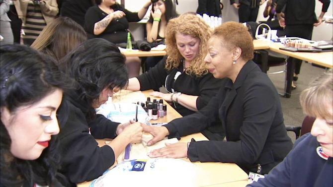 Professional makeovers for female military veterans